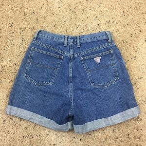 Vtg. Guess High Waist Mom Jeans Shorts Size 31